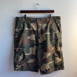 Camo Cargo Shorts Size 36 Beverly Hills Polo Club